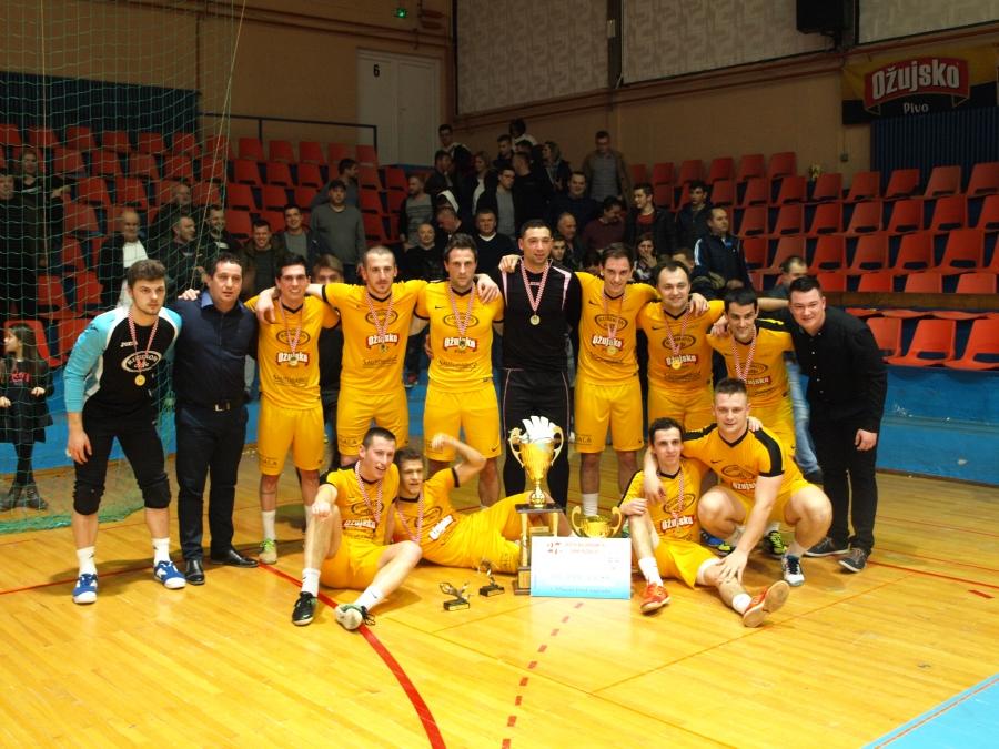 Sportska Hrvatska Caffe bar Rubikon brani naslov pobjednika pozeskog Bozicnog malonogometnog turnira