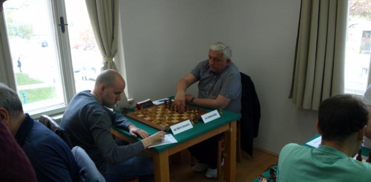 U 2. kolu pojedinačnog Prvenstva Hrvatske u šahu pobjede ostvarili Ivan Šarić, Ante Brkić i Zoran Jovanović