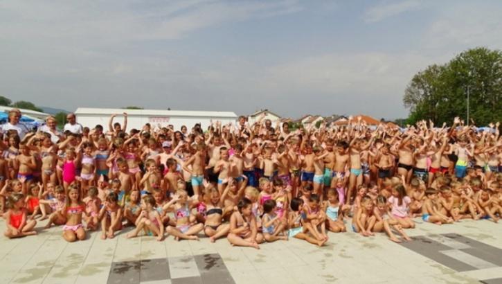 Demonstracijom stečenih vještina i podjelom diploma završila Škola plivanja Požeškog športskog saveza za 510 polaznika