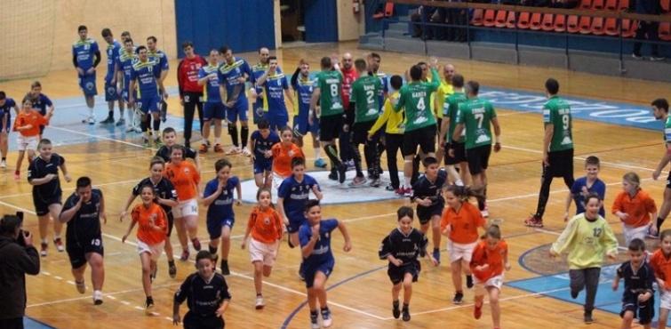 Nexe dobio obje utakmice na rukometnom spektaklu u Požegi
