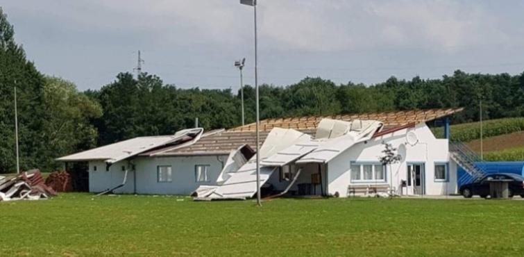 Olujno nevrijeme uništilo prostorije Nogometnog kluba Croatia Mihaljevci