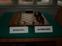 U 1. kolu Prvenstva Hrvatske u šahu koje danas počinje u Požegi sastaju se Ivan Šarić i Zdenko Kožul
