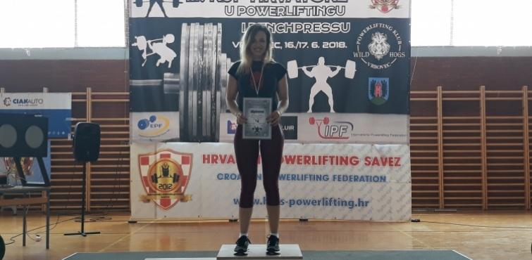 Brigita Bakić s novim državnim rekordom osvojila zlato u juniorskoj kategoriji na 3. Kupu Hrvatske u powerliftingu i bench pressu