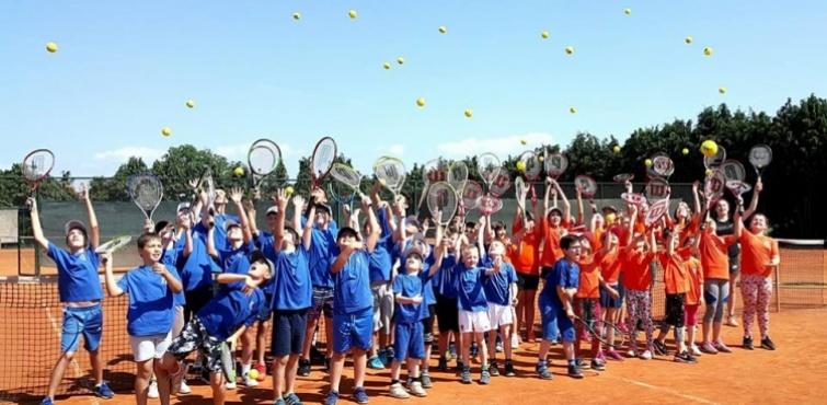 Teniski klub Požega organizira besplatnu ljetnu školu tenisa