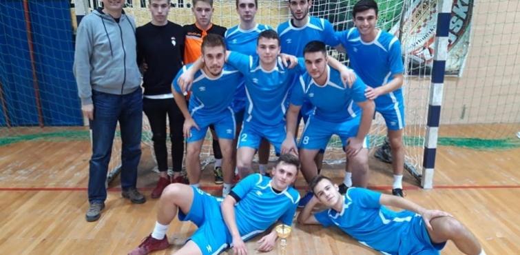 Igrači ŠSD Pakrac osvojili prvo mjesto na Županijskom natjecanju u futsalu za učenike srednjih škola