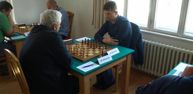 U 3. kolu Prvenstva Hrvatske u šahu pobjedu ostvario jedino Zdenko Kožul